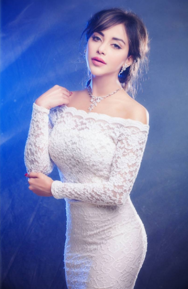Angela Krislinzki Favourite Things and Controversy