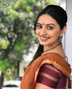 shruti marathe husband instagram twitter hot images photos