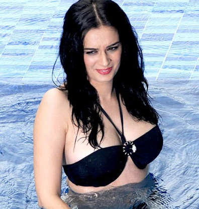Evelyn Sharma Twitter