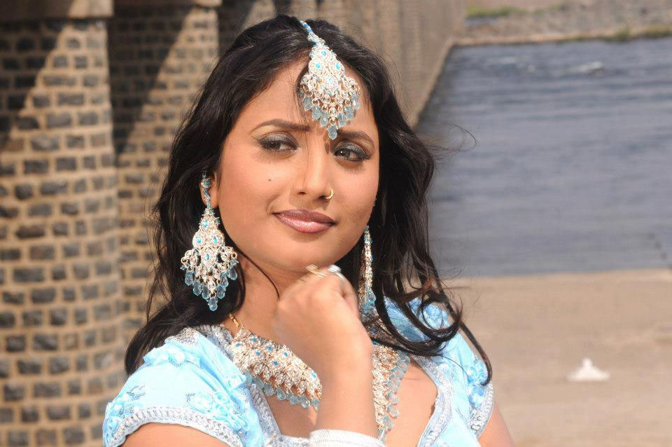 Rani Chatterjee Age Wiki Instagram Twitter Husband Hot Photos